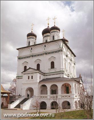 Успенский собор в монастыре