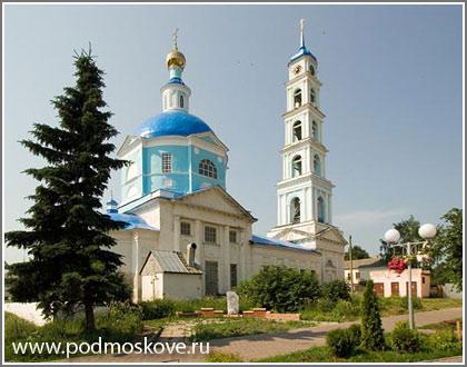 Вид Введенской церкви
