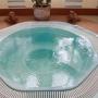 Клуб отдыха Велес: Крытый бассейн, джакузи